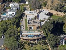 Case de vedete: Descopera vila de 15 milioane de dolari a Rihannei