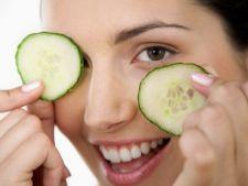 Scapa de cearcane cu 7 remedii naturale pe care le ai la indemana