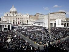 Ceremonie spectaculoasa la Vatican. Doi papi vor fi trecuti duminica in randul sfintilor