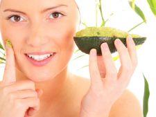 Pregateste-ti pielea pentru vara! 4 masti corporale si faciale simple cu avocado