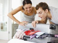 De cate haine are nevoie o femeie in vacanta si de cate un barbat