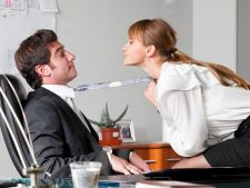 Ai un salariu mare? Iata cum iti afecteaza viata sexuala!