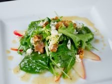 Salata Roquefort cu pere, reteta pentru gurmanzi pretentiosi