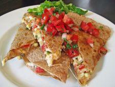 Reteta perfecta pentru picnic: quesadilla cu creveti si sos salsa