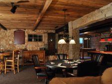 Subsolul casei, spatiul perfect pentru un living sau o camera de joaca
