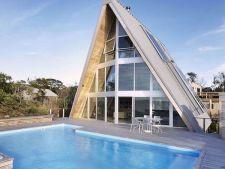 De la casute de camping, la vile in toata regula: 4 idei excelente pentru o casa de vacanta!