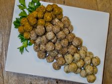 Aperitiv dulce pentru cunoscatori: struguri inveliti in branza Roquefort