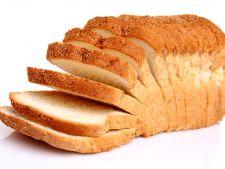 Doar 3 felii de paine alba pe zi te predispun unei boli grave. Afla care!