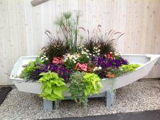 5 containere ingenioase cu flori si plante pentru decorarea gradinii