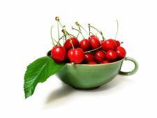 Beneficiile ceaiului de cozi de cirese: Combate celulita, slabeste rapid si pune sanatatea la punct!