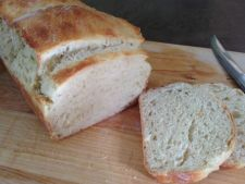Paine de casa pufoasa, ideala pentru sandvisuri