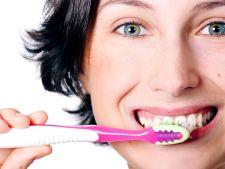 Pasta de dinti, otrava lenta. Vezi ce boli poate declansa fluorul!
