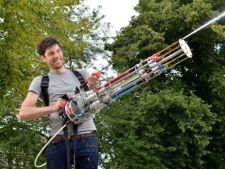 Inventie de sezon: Uite ce poate face cel mai puternic pistol cu apa!