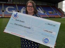 Impresionant! A castigat peste 1 milion de euro la loterie, dar continua sa fie infirmiera