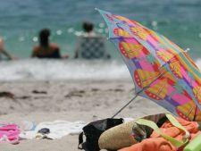 10 lucruri pe care trebuie sa le ai cu tine atunci cand mergi la plaja