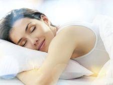 Cum sa dormi bine in noptile fierbinti de vara