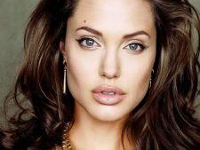 Iata care e pretul frumusetii Angelinei Jolie!