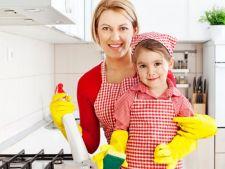 Poti avea casa curata chiar si atunci cand ai copii. Iata ce trebuie sa faci!