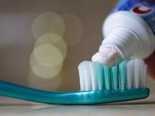 Pericol mortal! Un ingredient din pasta de dinti poate declansa cancerul!
