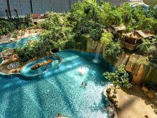 Cel mai mare parc acvatic din Europa: are propria sa padure tropicala, plaje si lagune!