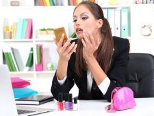 Doua din trei femei folosesc prea mult fard. Ce cred, de fapt, barbatii