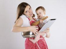 Studiu: Mamele indeplinesc 42 de sarcini zilnic, iar septembrie e cea mai grea luna