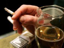 Scumpirea tigarilor scade consumul de alcool
