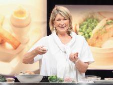 Bucatari celebri: Martha Stewart te invata sa prepari tarta cu lamaie si bezea, desertul unui sfarsi