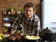 La placinte, inainte cu Jamie Oliver! Placinta cu pui si ciuperci, pentru un weekend relaxant in buc