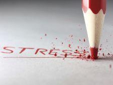 Studiu: Trei din patru romani, stresati din cauza serviciului