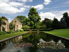 Cele mai frumoase gradini: Hidcote Manor, gradina cu camere exterioare pline de viata