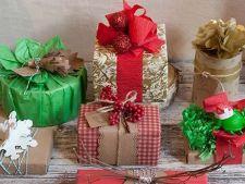Pregatiri last minute: Idei simple si creative de a impacheta cadourile de Craciun