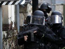 Teroare la Paris. Au fost luati cel putin 10 ostatici si s-au auzit focuri de arma