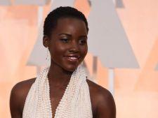 A fost furata rochia-vedeta a Oscarurilor. E creata din 6.000 de perle