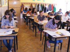 Dezastru la simularea Evaluarii Nationale. Jumatate dintre elevi au picat testele!