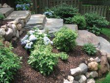 Cinci sugestii pentru a folosi stancile artificiale in gradina