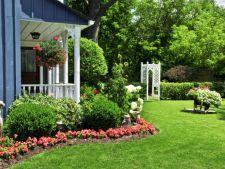 4 idei de a amenajare a unei gradini simple si elegante
