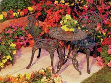 Flori de gradina care imita trandafirii si sunt la indemana oricui