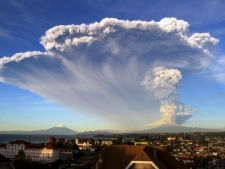 Ai vazut vreodata cum erupe un vulcan? Imagini senzationale pe care nu trebuie sa le ratezi