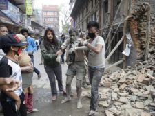 Romani, victime in cutremurul devastator din Nepal. Iata care sunt sansele lor de supravietuire