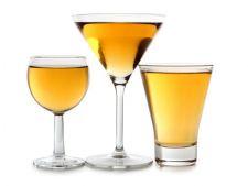 Atentie! Forma paharului poate spune cat de mult ai sa bei