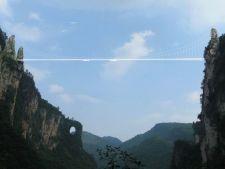 Cum arata cel mai lung pod din sticla. Ai avea curaj sa il traversezi?