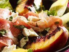 salata piersici
