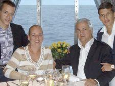 Adrian Nastase si familia