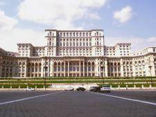 Proteste la Palatul Parlamentului! Jandarmii au folosit gaze lacrimogene