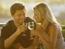 Cum sa flirtezi folosind limbajul trupului