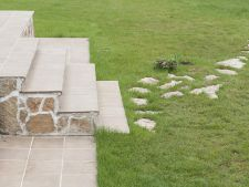 Amenajeaza gradina cu alei din piatra naturala