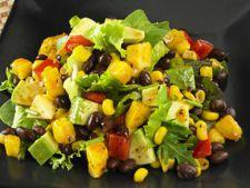 Salata energizanta, cu putine calorii, ideala pentru cei care tin dieta