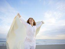 Expertul Acasa.ro, Irina Markovits: Poate fi jeansul alb prietenul oricarei femei?