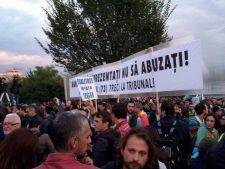 Primele fotografii de la protestul impotriva lui Gabriel Oprea